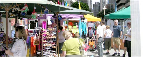 Travel to the Brisbane Sunday Discovery Market with our car hire Brisbane service.