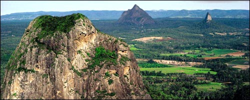 Travel to the Glass House Mountains with our Brisbane Airport car hire service.