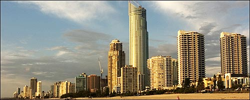 Compliment your Surfers Paradise Accommodation with our cheap car rentals service.
