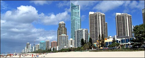 Enjoy the Surfers Paradise Activities with our cheap car hire Surfers Paradise service.